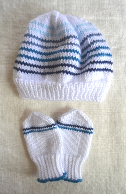 baby-mittens-hat-set