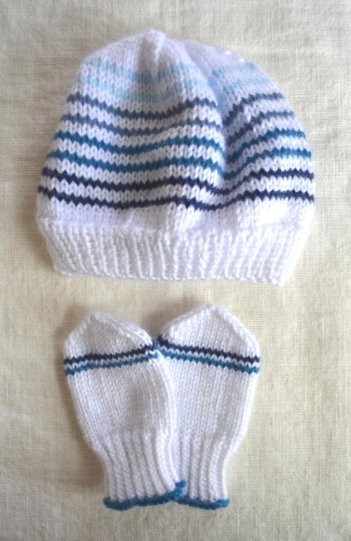 baby-mittens-hat-set